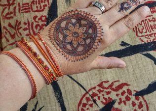 Henna Mehndi Glitter Tattoo Services In San Diego Crescent Moon